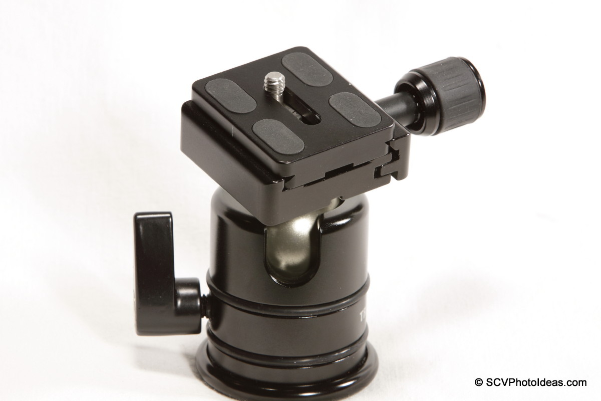 Triopo B-2 QR Clamp on Triopo RS-3 ballhead w/ camera plate centered