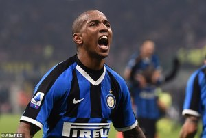 Inter Milan star Ashley Young Shows Off His New CRAZY Look