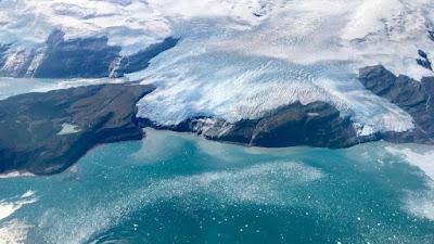 Εκπληκτικές εικόνες: Η Αρκτική… κάτω από τους πάγους