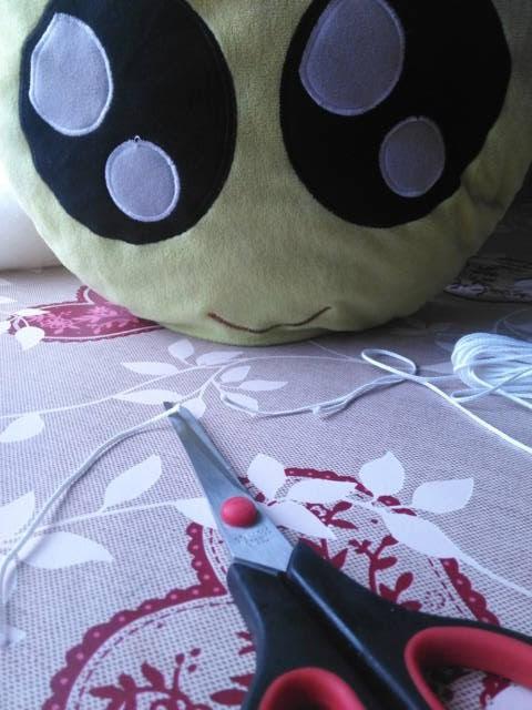 Cómo hacer velas con chapas de refresco - Preparando la mecha