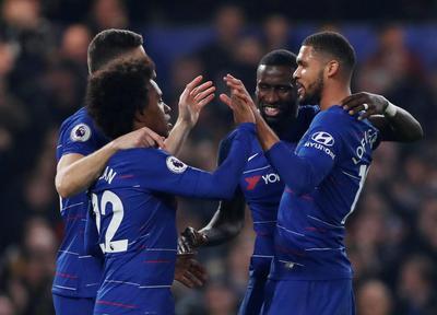 Sarri Puas Chelsea Tumbangkan Tottenham Dua Gol Tanpa Balas