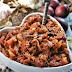 Kapusta duszona ze śliwkami,  suszonymi grzybami i pomidorami