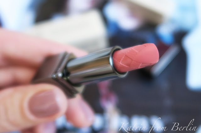 Burberry Kisses Nude Pink 05 review and swatch