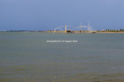 Pantai Palatar Agung memilik ombak yang tenang.