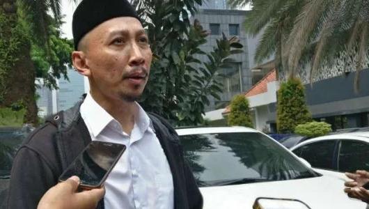 Abu Janda Masuk ICU karena Covid-19, Denny Siregar: Untung Belum Terlambat