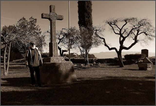 SANT MATEU DE BAGES-CREU-SANTA MISSIÓ-MONUMENTS-ESPIRITUALITAT-FOTOS-EXCURSIONS-PINTOR-ERNEST DESCALS
