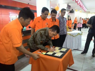 """PT Pos Palembang Buka Layanan """"Lau Malam"""""""