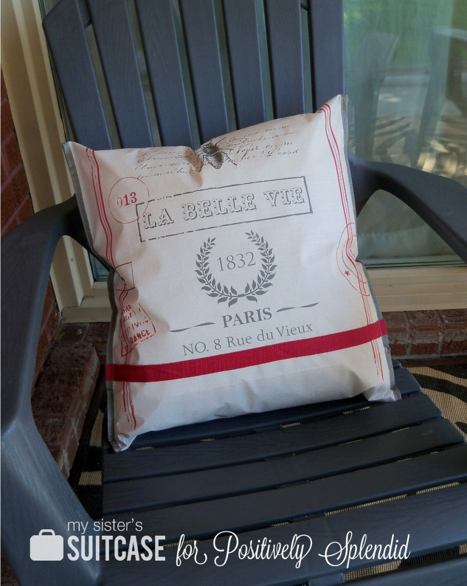 Outdoor Pillow From A Shopping Bag   Positively Splendid {Crafts, Sewing,  Recipes And Home Decor}