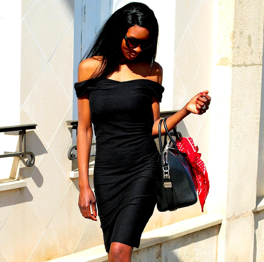 comment-porter-robe-noire-style-casual