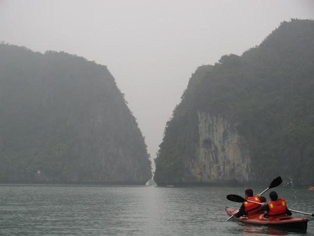 Discover natural landscape with Ha Long kayak