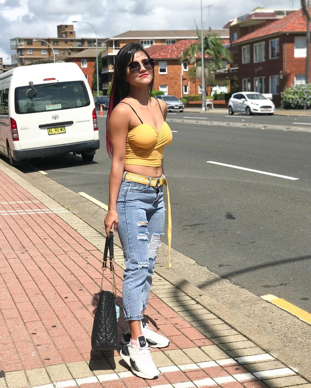 Alisha Sharma 5