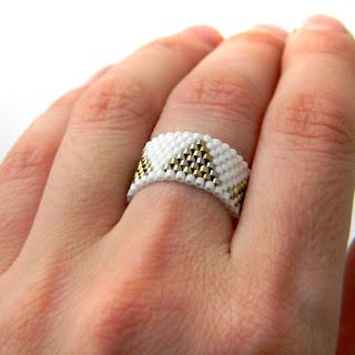 украшения из бисера минималистичное кольцо на каждый день