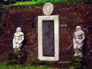 Roma Insolita e Segreta: l'alchimia della Porta Magica