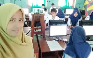 Ibu Titim Matun Nasriyah, Guru Bahasa Jawa SMP Negeri 1 Barat, Magetan