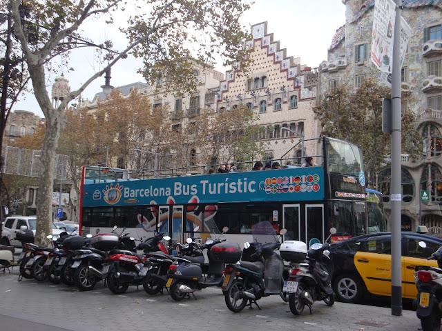 Ônibus hop on/hop off em Barcelona vale a pena?