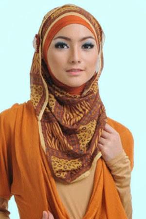 Hijab Segiempat Citra Kirana