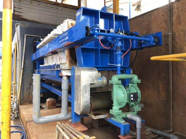 Máy ép bùn khung bản do Vĩnh Phát chế tạo nguyên khối thống nhất, việc lắp đặt nhanh và có thể vận hành ngay