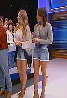 Lenka da Silva e Teresa Medeiros de calções curtos