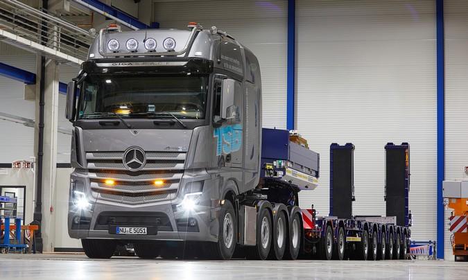 Mercedes-Benz celebra a entrega do 500º Actros SLT