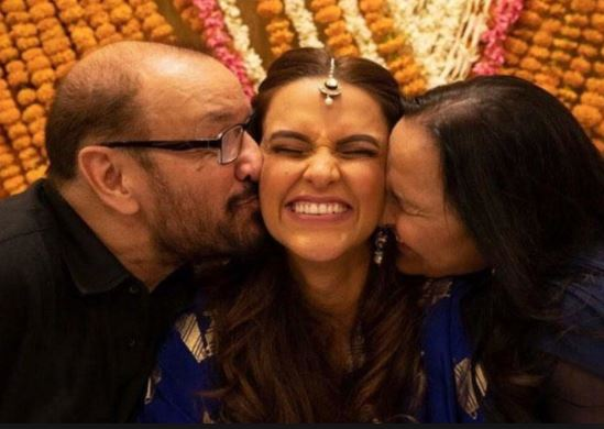 neha dhupia father