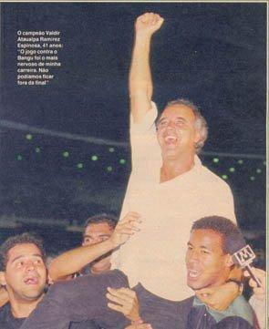 É como o feliz campeão invicto de 1989 que nós, alvinegros, nos lembraremos de ti, Valdir, o nosso querido Espinosa, campeão invicto pelo nosso Botafogo!  A estrela, a nossa estrela solitária, te guardará por toda a eternidade...  Os heróis do Botafogo, como ti, boa praça Valdir, o nosso já saudoso Espinosa, são imortais!    Obs: Valdir Espinosa faleceu hoje (27/02/2020). Foio técnico do Botafogo campeão invicto de 1989, tirando o Alvinegro de uma fila de 21 anos sem título.