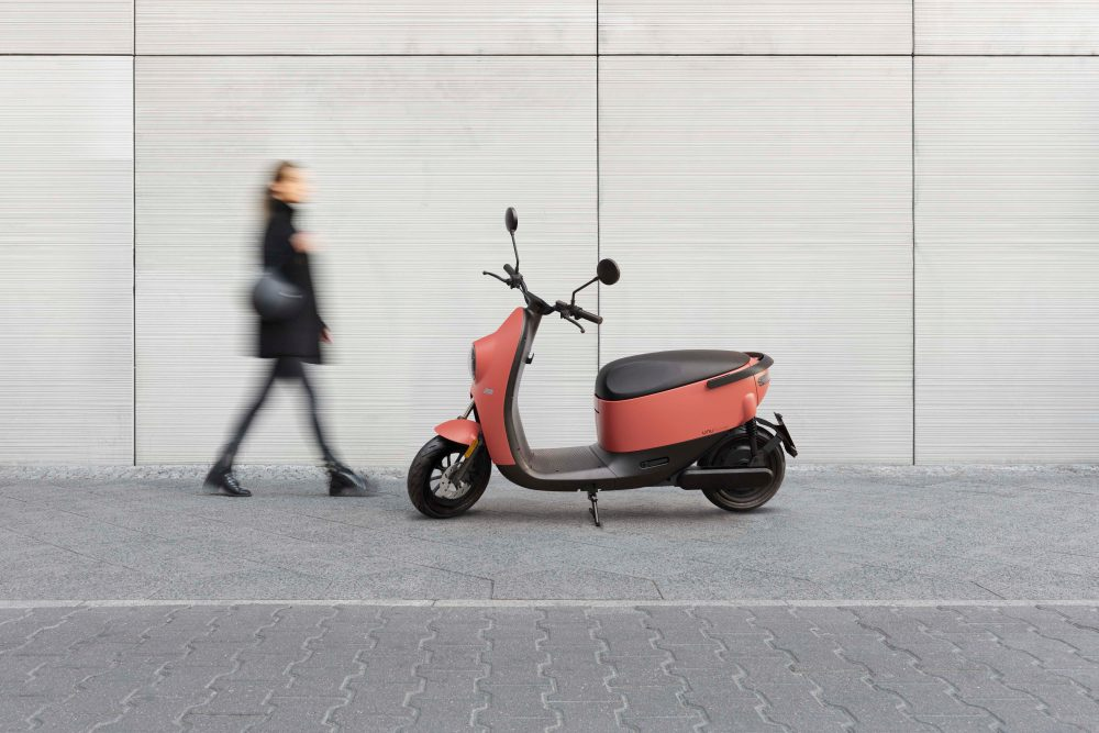 Unu Unveils 2nd Generation Electric Scooter With Integrated Display And Lively Hues