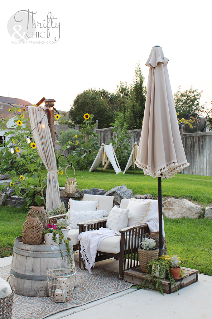 patio umbrella ideas, diy boho patio umbrella, easy patio decorating ideas, patio ideas on a budget, diy patio decor, diy patio decorating ideas