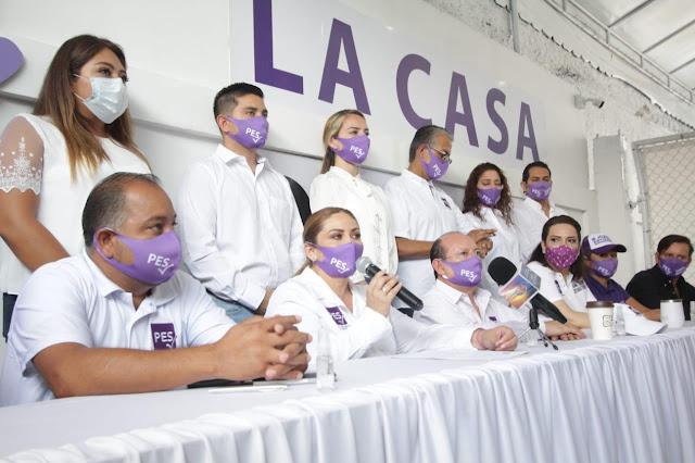 Lupita Alcocer Espadas.