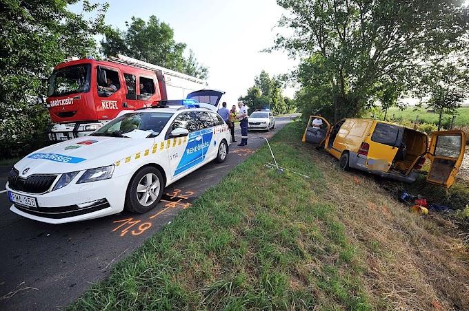 Fiatal rendőrnő halt meg az 54-es főúton történt balesetben
