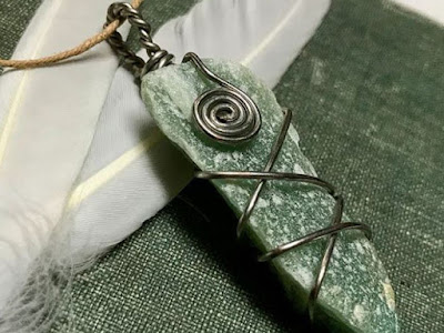 Aventurine pendant by eternallygreencreations