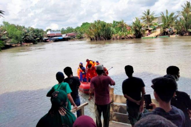 Tenggelam di Sungai, Pemuda di Cenrana Belum Ditemukan