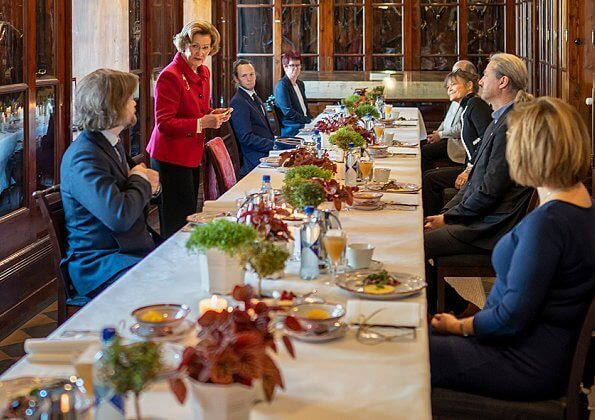 Queen Sonja of Norway received representatives of six cultural organizations, of which she is patron. Queen wore a red blazer