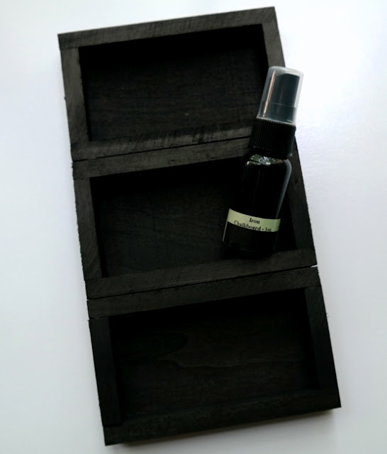 How to Stain Wood With Tattered Angels Glimmer Mist by Dana Tatar
