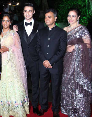 Ayush Sharma and Arpita Khan wedding reception family