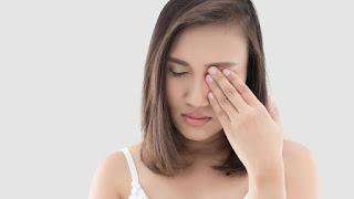 6 Penyebab Mata Bengkak saat Bangun Tidur