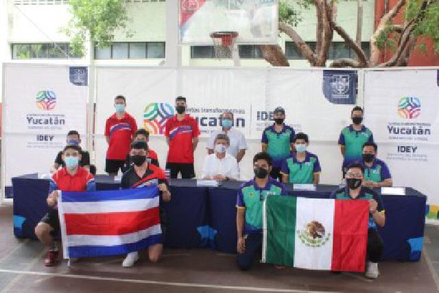 Selección de tenis de mesa de Costa Rica realiza campamento en Yucatán