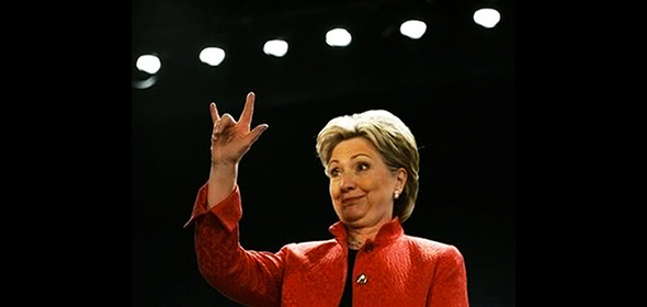 hillary clinton haciendo la mano cornuda o señal satánica illuminati