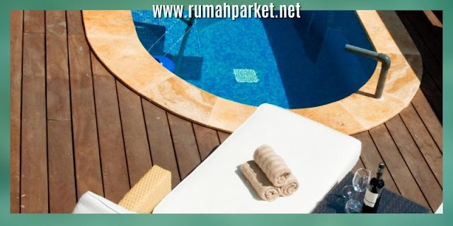 decking samping kolam renang - dcking kayu