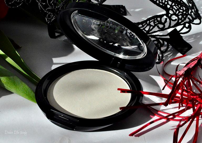 Nowość Avon Show Glow - rozświetlacz do twarzy