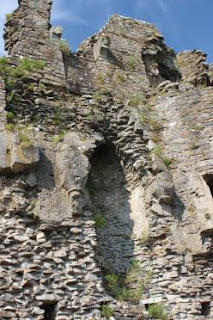 ogmore castle fire hearth