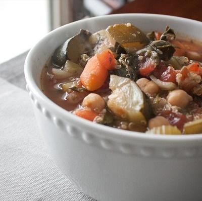 Slow Cooker Vegetarian Quinoa Soup