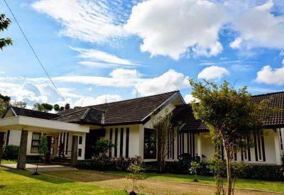 Villa Avina di Lembang bandung