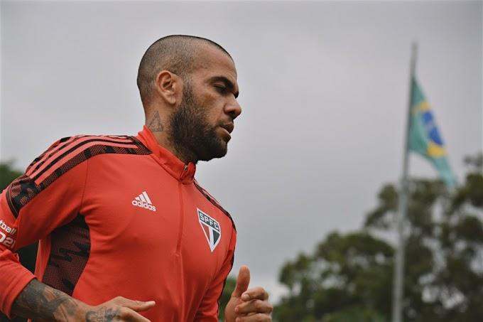Convocado para a Seleção, Daniel Alves desfalca o São Paulo no Brasileirão e na Copa do Brasil
