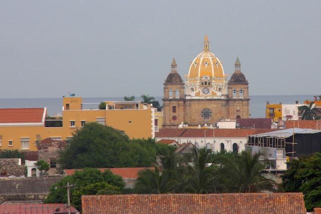 A cidade amuralhada vista do castelo