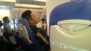 Pramugara Ganteng Penghapal Alquran di Pesawat
