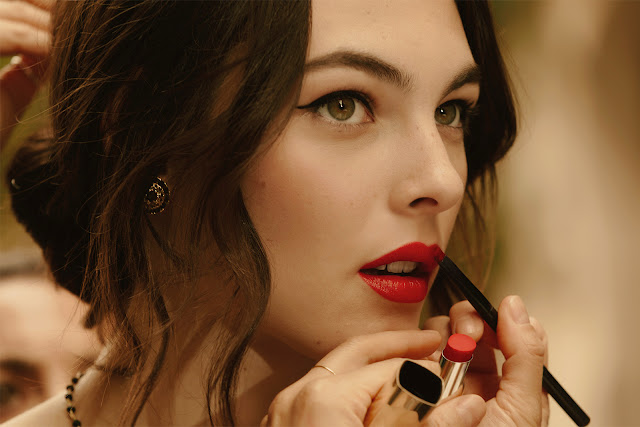 maquillaje-labios-rojos-eye-liner