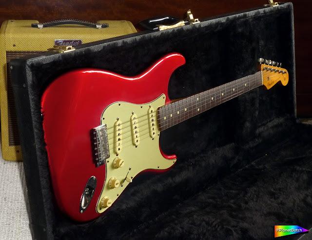 fender Japan Stratocaster - Candy Apple Red