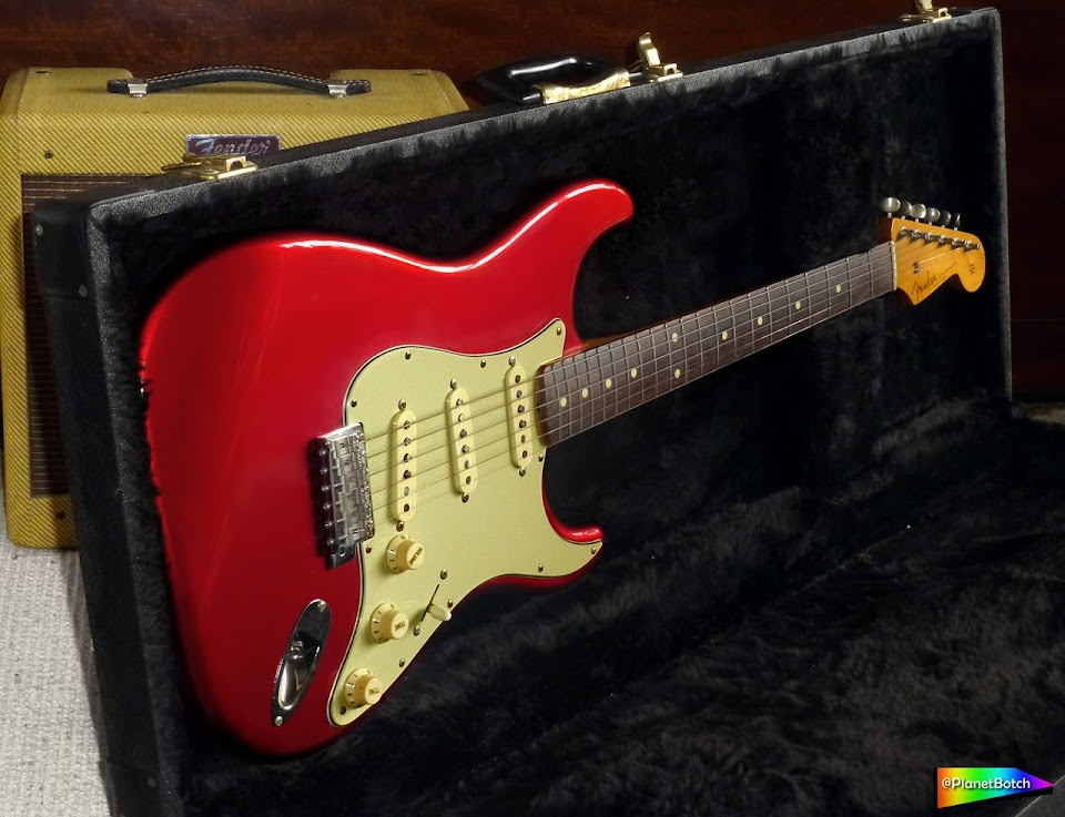 fender Japan Stratocaster - Candy Apple Red