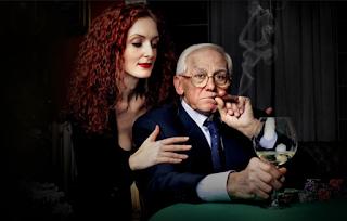 """Σοφία 29 ετών: """"Έχω σχέση με 70χρονο επειδή με συντηρεί! Έχει πολλά λεφτά.."""
