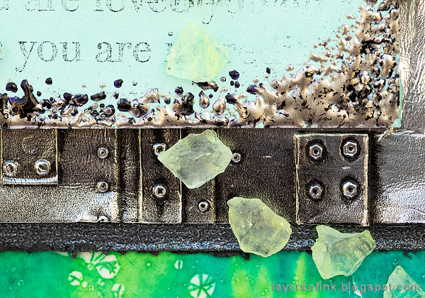 Layers of ink - Glow In The Dark Butterfly Tutorial by Anna-Karin Evaldsson. Sea glass trail.